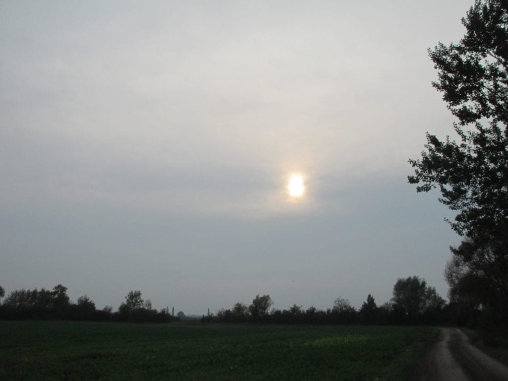 Oblaky Altostratus (As).