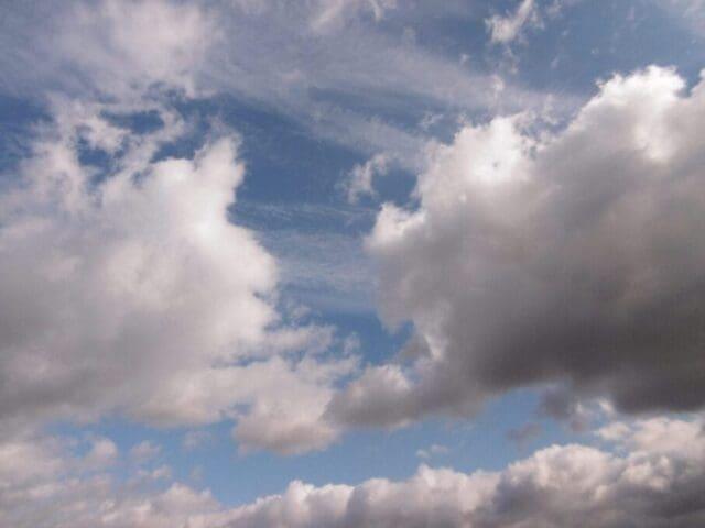 Kde hledat seriózní informace o počasí? Vysoká a nízká oblačnost.