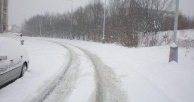 Před sedmi lety vydatně sněžilo. Sníh Praha 23.2.2013.