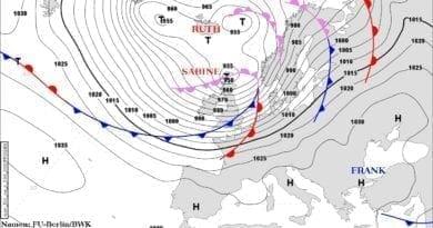 Velmi silný vítr v oblasti níže Sabine. Synoptická situace 9.2.2020.
