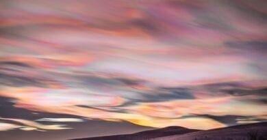 Perleťové oblaky.