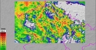 Místy napršelo i 70mm srážek, místy zůstalo sucho. Spadlé srážky za 24 hodin do 15.8.2020.