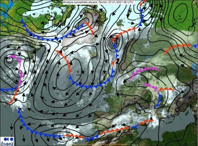 Na jihu napadlo kolem 15cm sněhu. Synoptická situace 7.1.2021 7 SEČ.