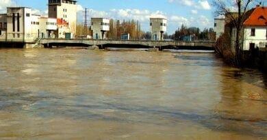 Povodňová situace 4.2.2021. Hrozí velká letní povodeň? Rozvodněná řeka.