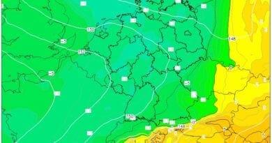 Teplo bude pouze o víkendu. Teplota v 850hPa na 12.4.2021.