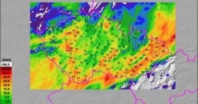 Tři vlny bouří a ničivé tornádo. Spadlé srážky za 24h do 25.6.2021 11h.