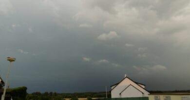 Významné bouřky hlavně na jihozápadě. Nastupující bouřka.