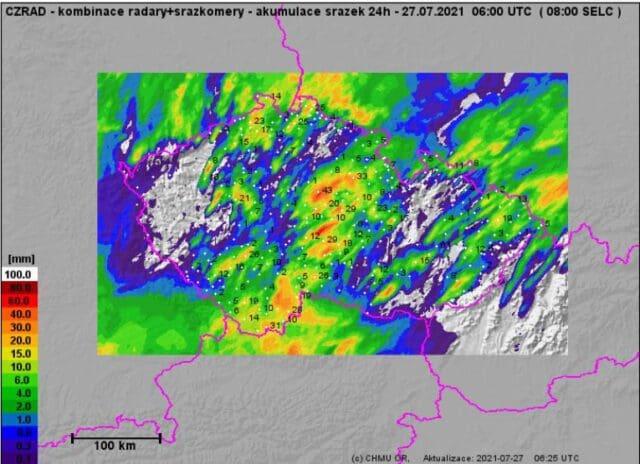 V bouřkách opět až 60mm. Úhrny srážek za 24h do 27.7.2021 7h.