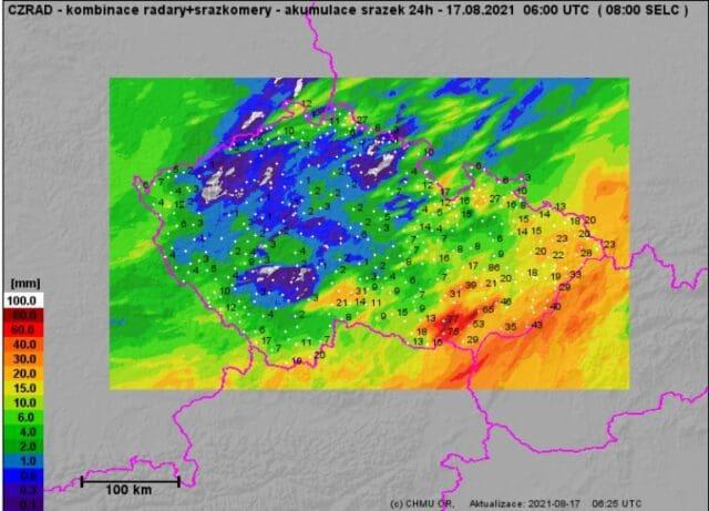V bouřkách spadlo až 77mm srážek. Srážkové úhrny za den do 17.8.2021.